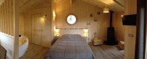 cabane chalet Périgord noir dans les arbres Sarlat Dordogne avec spa jacuzzi sauna
