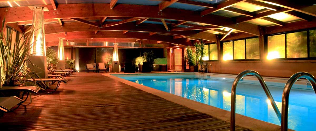 Le village du paill un camping avec piscine couverte - Camping avec piscine couverte chauffee ...