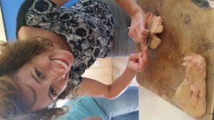 Préparation foie gras atelier culinaire au Village du paillé